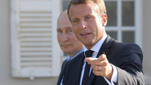 Emmanuel Macron en plein marathon diplomatique, mais pour quel résultat ?