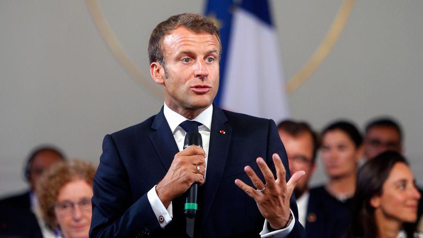Emmanuel Macron lors de l'ouverture du sommet du G7