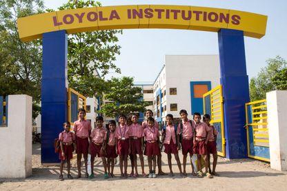 Entrée de la Loyola Yomiuri School à Bijapur en Inde