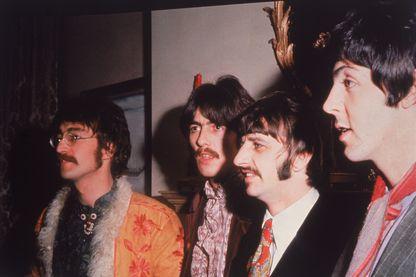 """L'histoire de """"Sergent Pepper's"""", 8ème album des Beatles en 1967."""