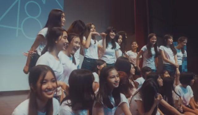 Des membres du groupe BNK48 sont réléguées au rang de simple doublure.