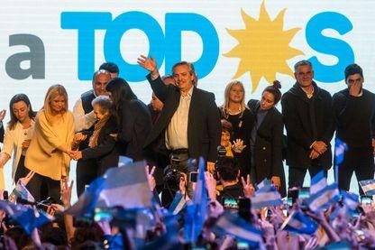 """Le candidat péroniste Alberto Fernandez, du parti """"Frente de Todos"""" lors des primaires pour les élections présidentielles, Buenos Aires"""