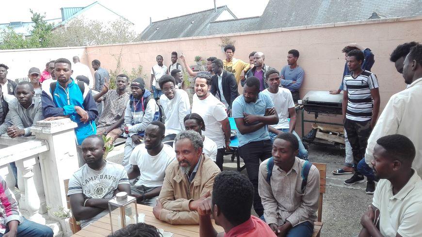 Dans la Sarthe (et partout en France), les saisonniers français sont remplacés par des demandeurs d'asile
