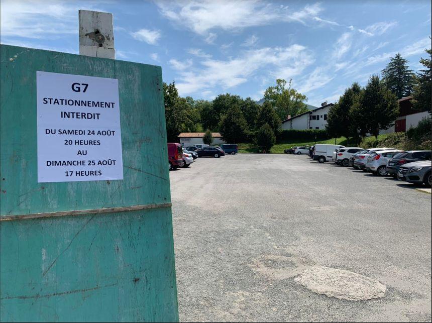 Le stationnement dans les parkings du village dès samedi