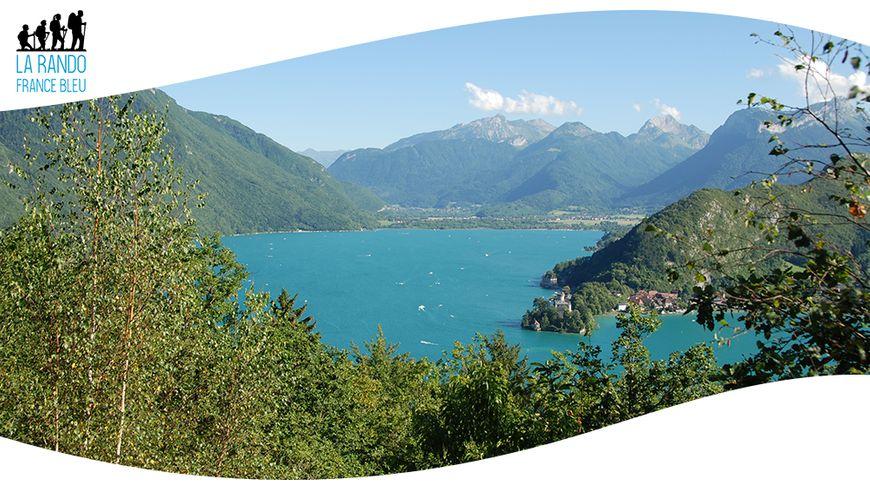 Le lac d'Annecy vu depuis le Roc de Chère