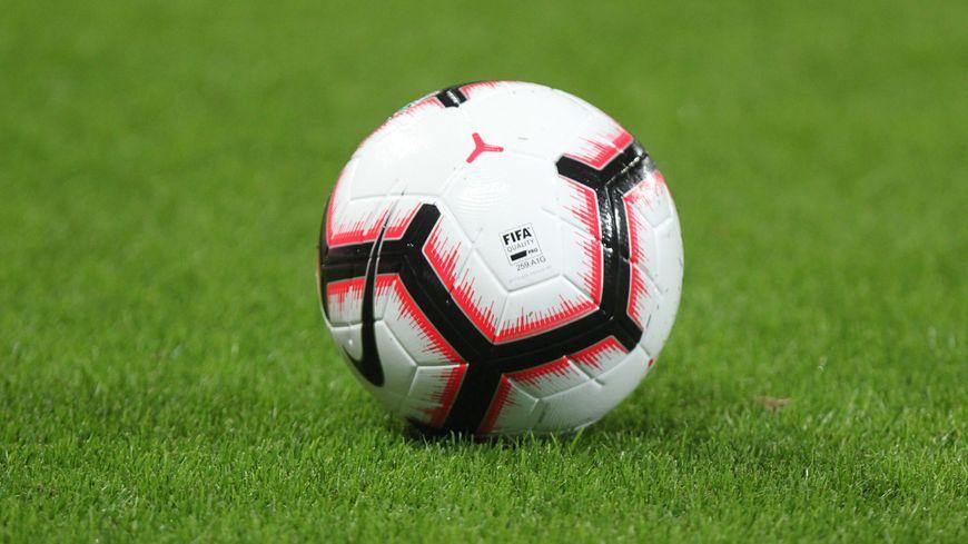 Deuxième victoire du stade lavallois qui bat les Herbiers 3-1, Changé décroche son premier point à Saumur avec un match nul un partout.