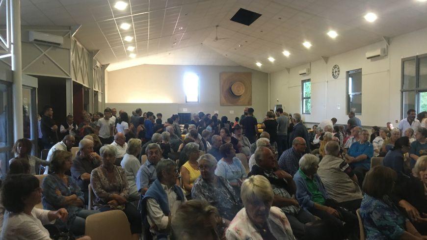 Les habitants de Septfonds ont répondu à l'appel du maire pour la cérémonie d'accueil pour les familles yézidies.