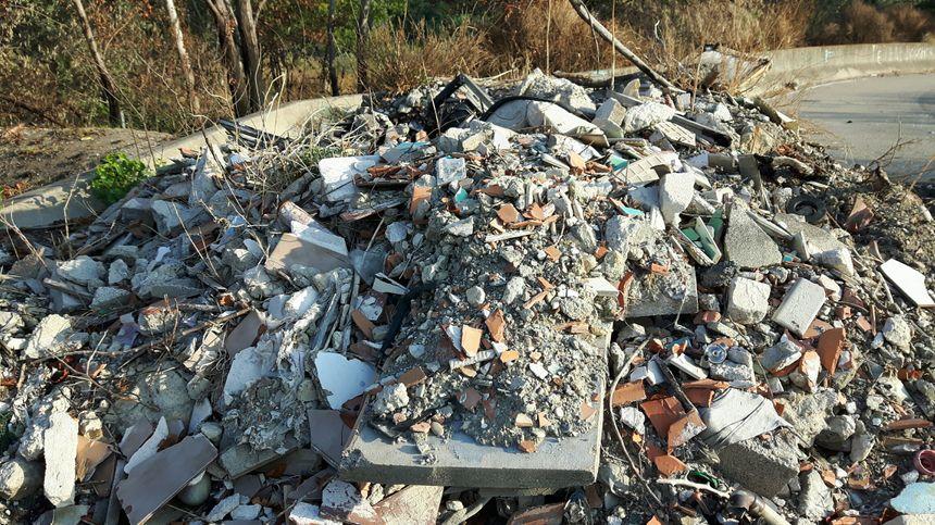 Des tonnes de gravats issus de chantiers...