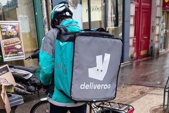 Les livreurs à vélo envisagent un mouvement de grande ampleur pour protester contre les nouveaux tarifs Deliveroo.
