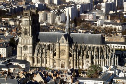 Vue aérienne de la cathédrale Sainte-Croix d'Orléans