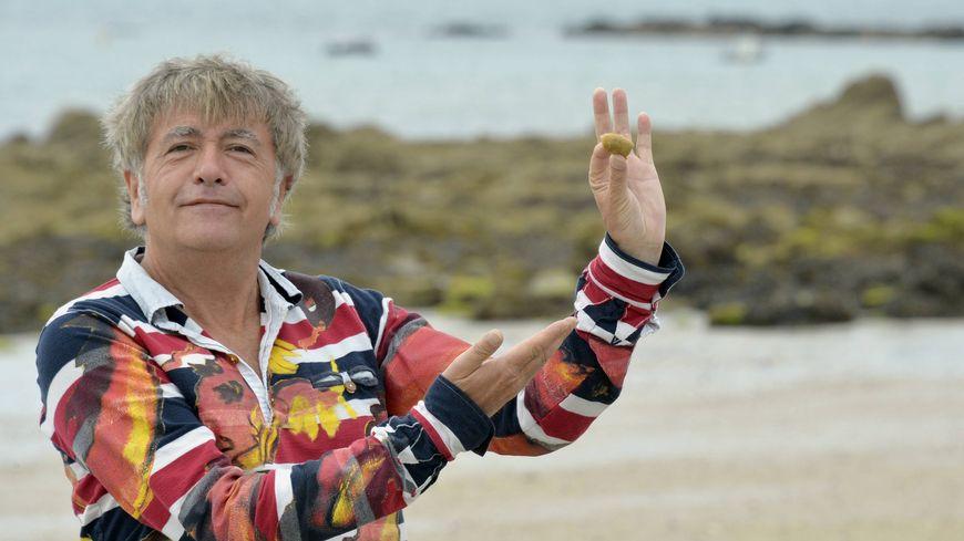Le Breton Jean-Yves Lafesse tiendra une chronique matinale du lundi au vendredi.