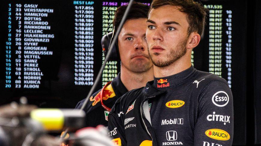 La grimace dans le stand Red Bull après une demi-saison peu convaincante de Pierre Gasly