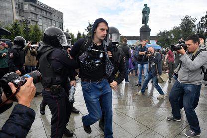 Arrestation d'un manifestant le 3 août à Moscou