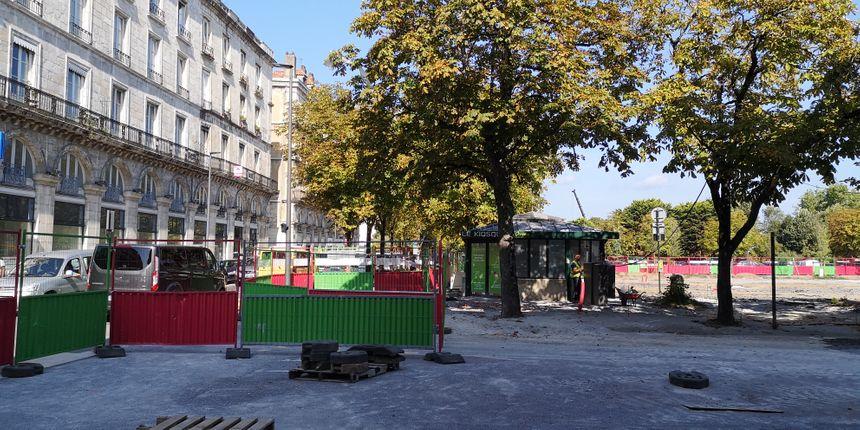 Chantier toujours en cours derrière la mairie de Bayonne