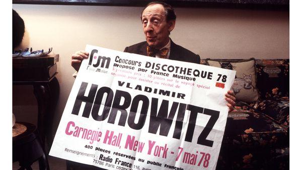 Vladimir Horowitz tient l'affiche d'un concert à New-York pour lequel France Musique avait organisé un concours (1978)