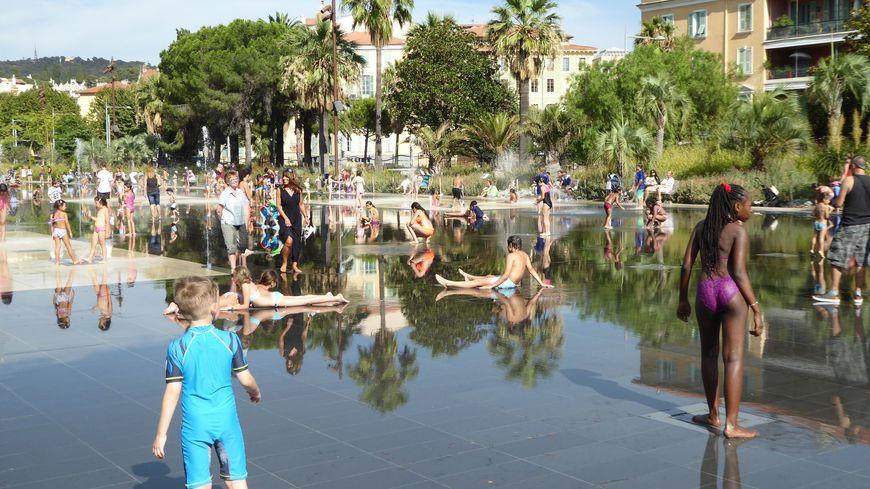 A Nice à côté de la place Masséna, illustration
