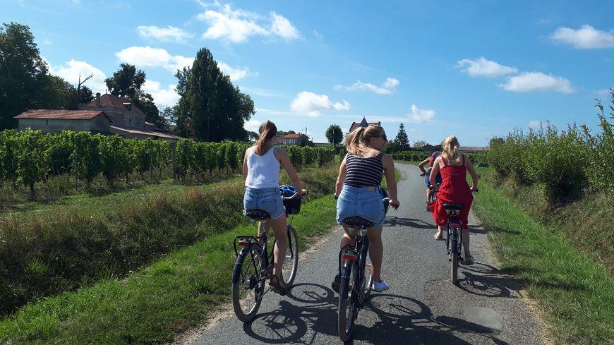 Visite des vignobles de Saint-Emilion à vélo.