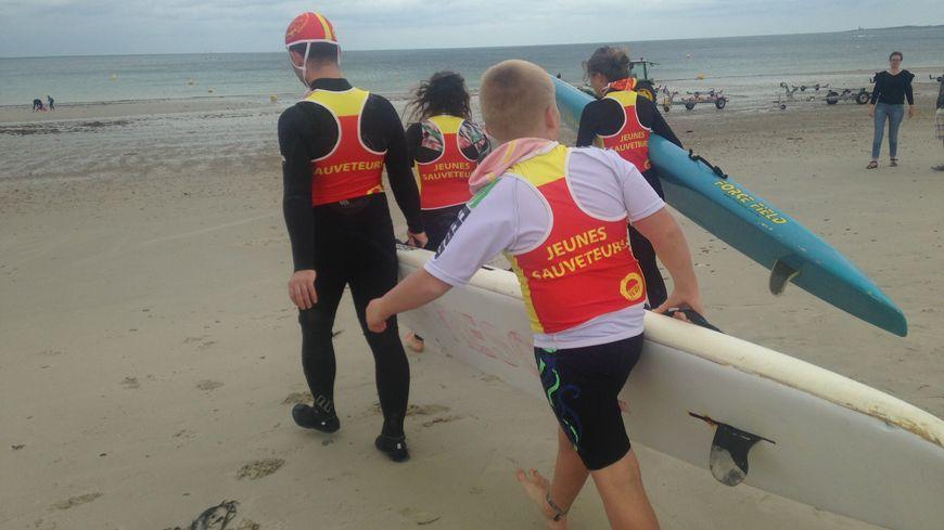 Des séances d'initiation au sauvetage sportif pour les jeunes en situation de handicap. Né en Australie, le sauvetage sportif s'inspire des missions de sauvetage de manière ludique.