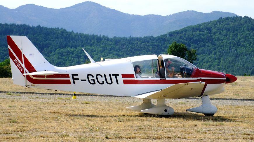 Le pilote avait lui-même conçu un avion de tourisme dans lequel il avait déjà volé (illustration).