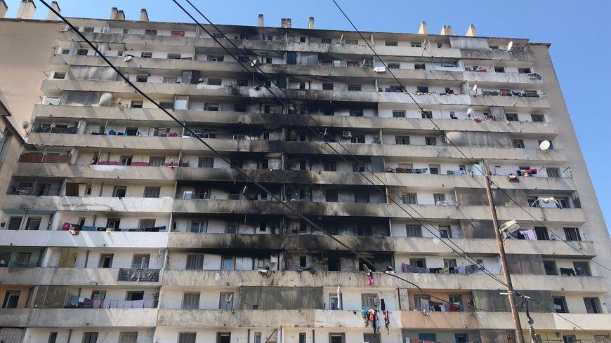 Le feu a pris vendredi dernier dans l'immeuble de la cité Maison Blanche