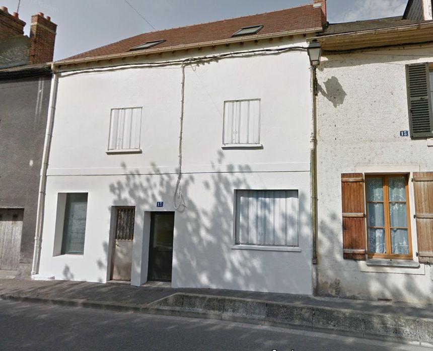 Le feu a pris sous les toits de cette petite maison (numéro 13, rue de Soisy, à Maheserbes)