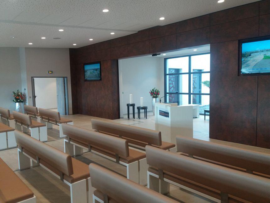 La salle de cérémonie du crématorium de Saint-Jean-de-Boiseau.