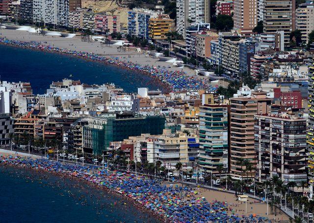 La station balnéaire Benidorm dans le sud de l'Espagne, l'un des emblèmes du tourisme de masse dans le pays.