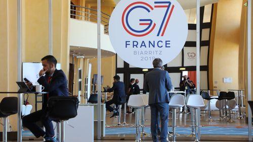 Des affrontements ont éclaté vendredi soir entre militants anti G7 et forces de l'ordre
