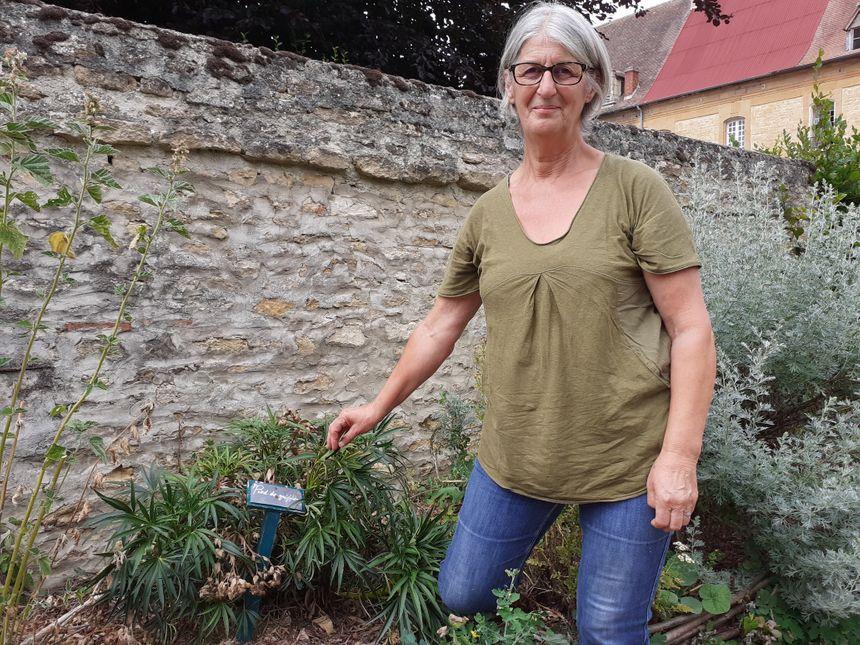 Christiane Dorléans en son jardin