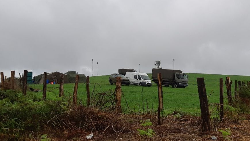A St Martin d'Arberoue on a installé un radar et un campement