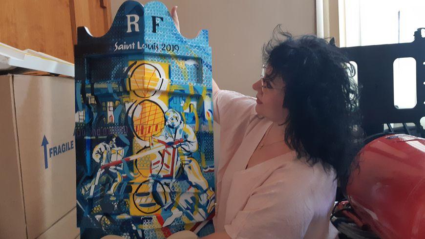 Thérèse Ouaki-Morello avec sa plus belle pièce, récompense du grand tournoi de joutes de lundi.