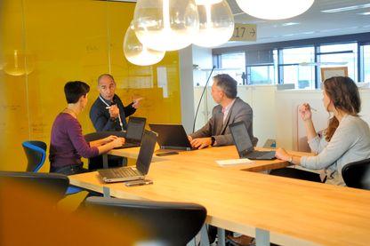 Réunion de travail au Technopôle de Bouygues Telecom