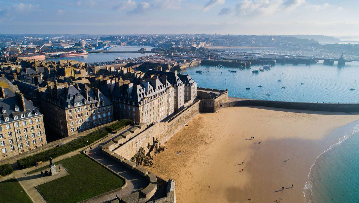 Un jeune plongeur victime d'un malaise sous l'eau à Saint-Malo