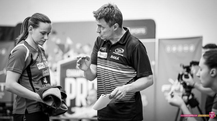 Jérôme Humbert et ses joueuses endentent bien défendre leur titre de champion de France.