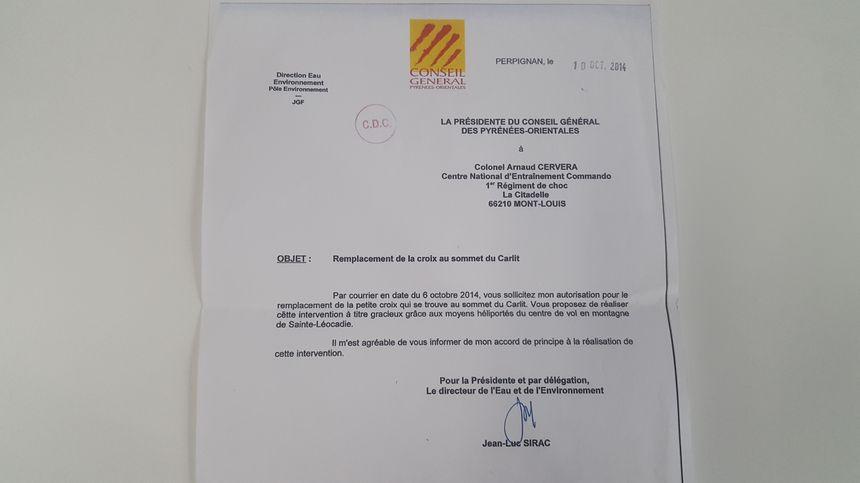 Le conseil départemental des Pyrénées-Orientales avait autorisé l'armée à installer la croix en haut du Carlit - Radio France