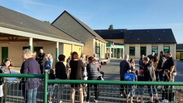 Les élèves de la petite école de Mondrainville (Calvados) ont fait leur rentrée ce lundi matin