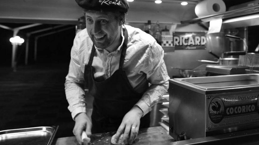 """Benoit Lavalade, d'habitude dans son """"food truck"""" Chez René, sera le restaurateur des Francophonies en Limousin 2019"""