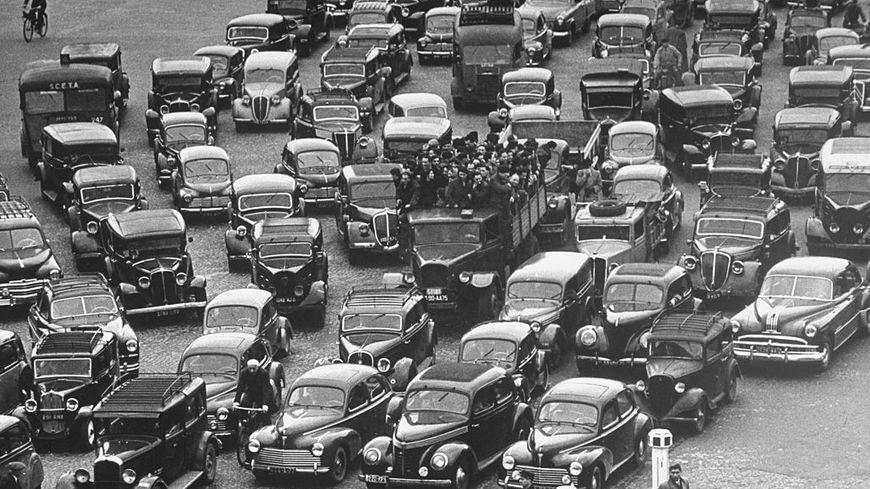 La circulation dans Paris au début des années 1950