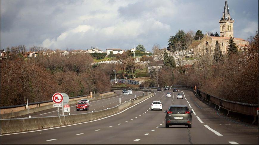 La majorité des Français utilisent leur voiture régulièrement pour leurs déplacements.