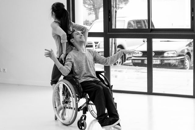 Thomas, l'un des danseurs dont la grâce bouleverse, dans ce documentaire.