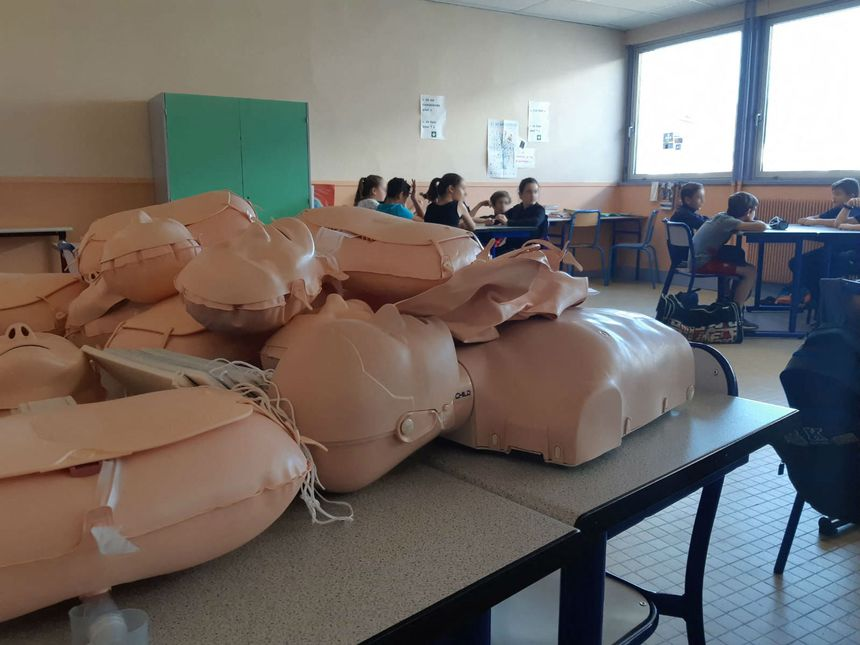 Formation aux premiers secours au collège les 3 vallées.