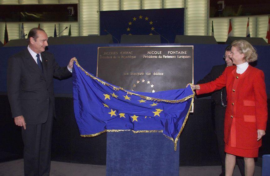 Décembre 1999, il inaugure à Strasbourg le nouveau siège du Parlement européen avec la président du PE Nicole Fontaine