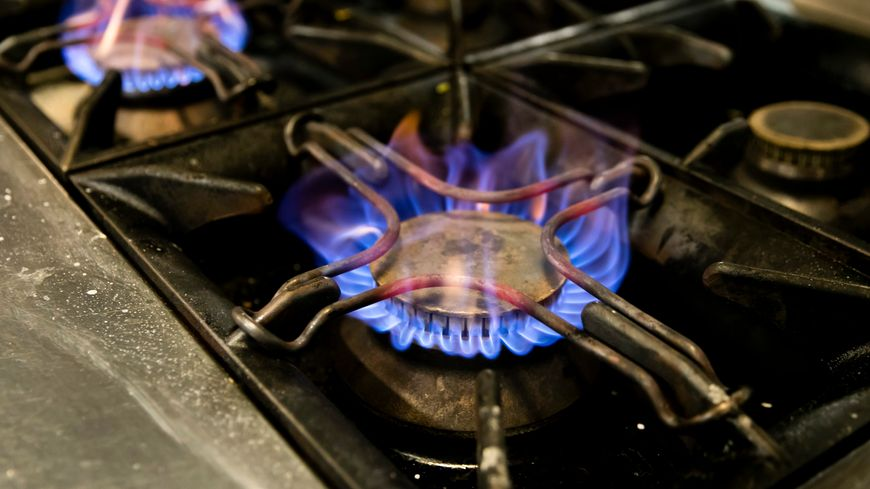 Cette baisse est de 0,6% pour les clients qui utilisent le gaz pour la cuisson, de 1,4% pour ceux qui ont un double usage, cuisson et eau chaude, et de 2,5% pour les foyers qui se chauffent au gaz.