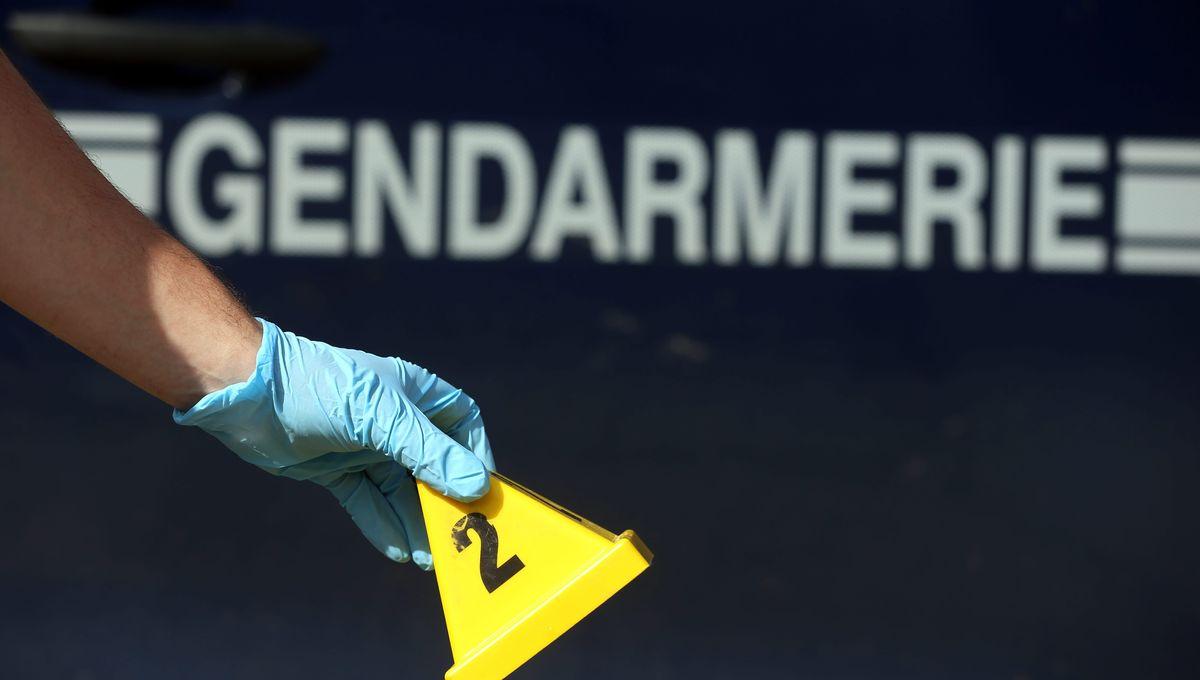Un corps retrouvé dans un sac plastique par un chasseur à Charette en Isère