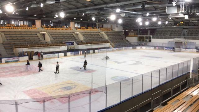 Les Dragons de Rouen n'ont pu s'entraîner qu'à trois reprises dans leur patinoire rénovée