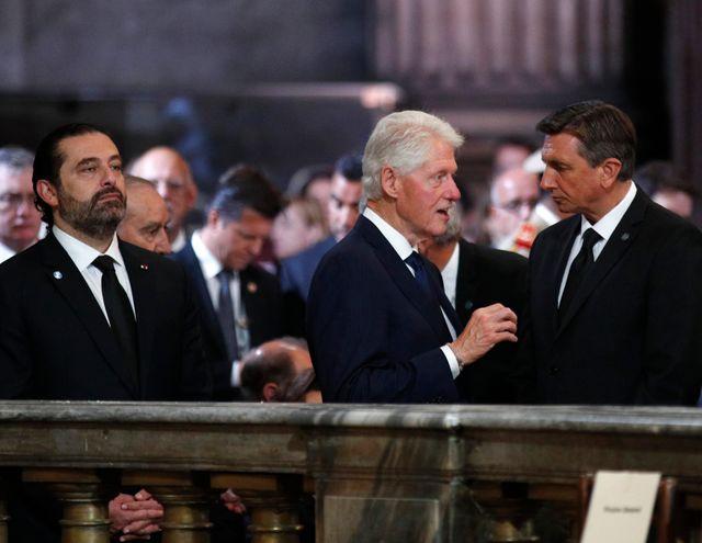 Le premier ministre libanais Saad Hariri (à gauche) aux côtés de l'ancien président américain Bill Clinton.