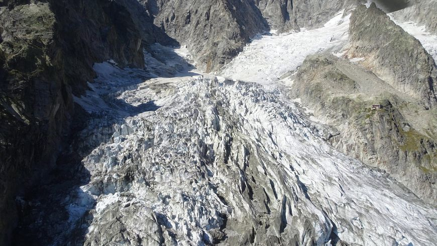 Le glacier de Planpincieux qui menace de s'effondrer