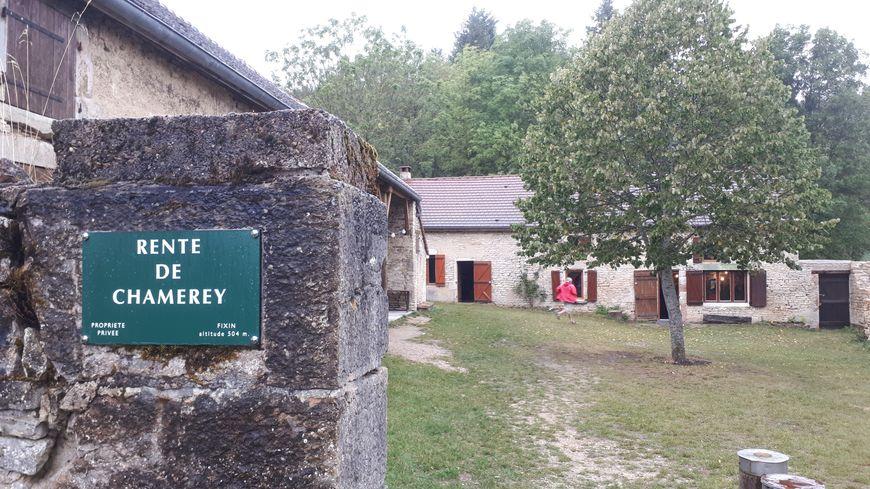 Le refuge de Chamerey sur les hauteurs de Fixin, est désormais doté d'un récupérateur d'eau pluviale.