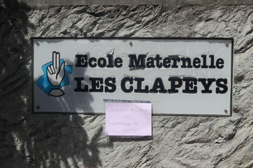 Selon le syndicat SNUIPP, la moyenne d'élèves par classe de maternelle est de 25.5 - Radio France