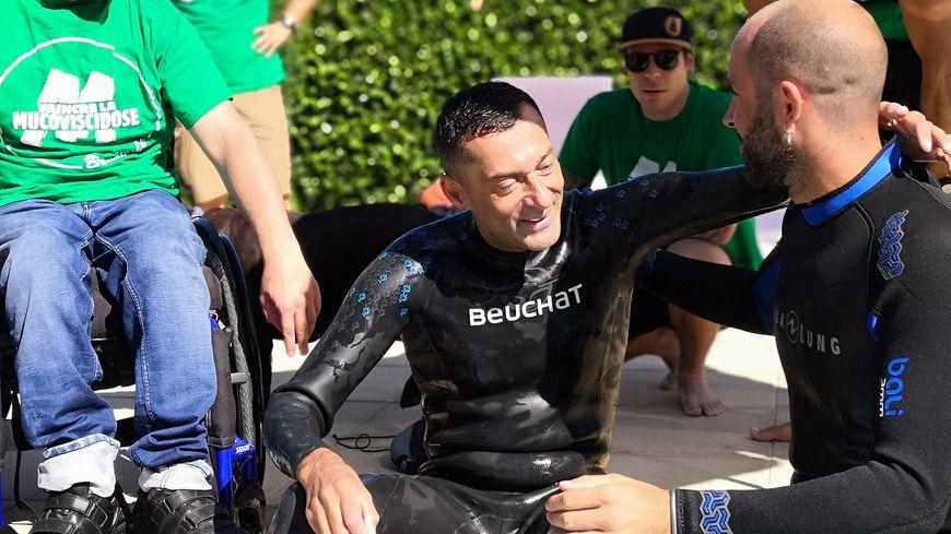 L'apnéiste Christophe Jobazé a dépassé son record de près d'une minute. Il a passé 6 minutes et 24 secondes tête sous l'eau.